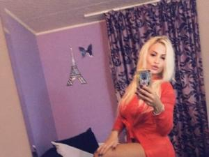 Profile Picture of lovelyblondyx