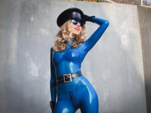 Profile Picture of YourLatexGODess